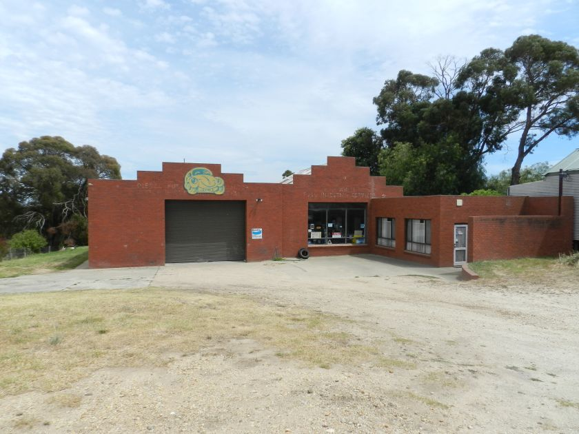 31-33. Princes Highway, Lucknow VIC 3875-1