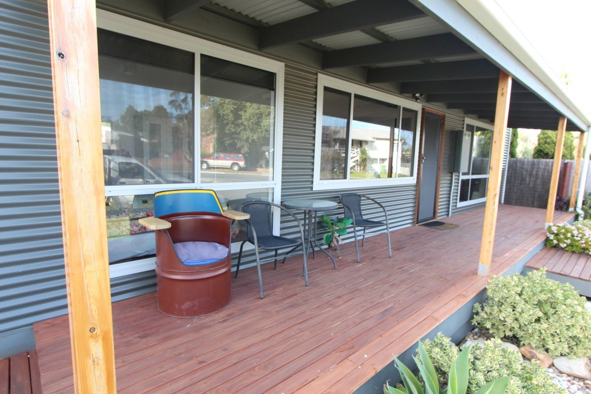 2 Fish Street, Lakes Entrance VIC 3909-1