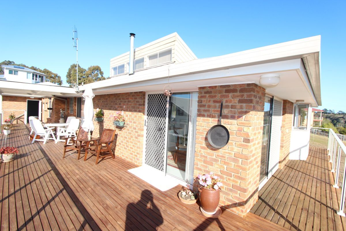 10 The Balcony, Lakes Entrance VIC 3909-1