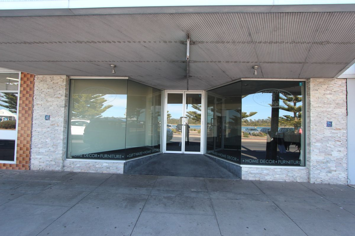 341 Esplanade, Lakes Entrance VIC 3909-1