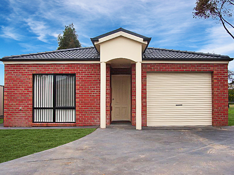 1/2 Stokes Court, Bairnsdale VIC 3875-1
