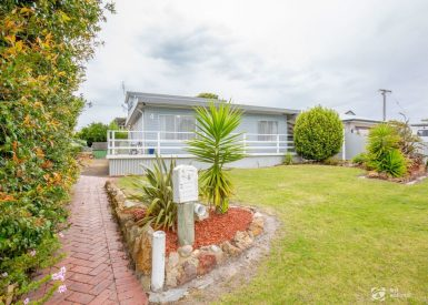 4 Government Road, Paynesville VIC 3880-1