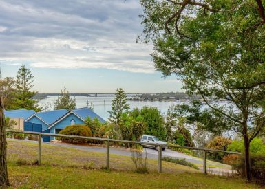10 Backwater Court, Paynesville VIC 3880-1