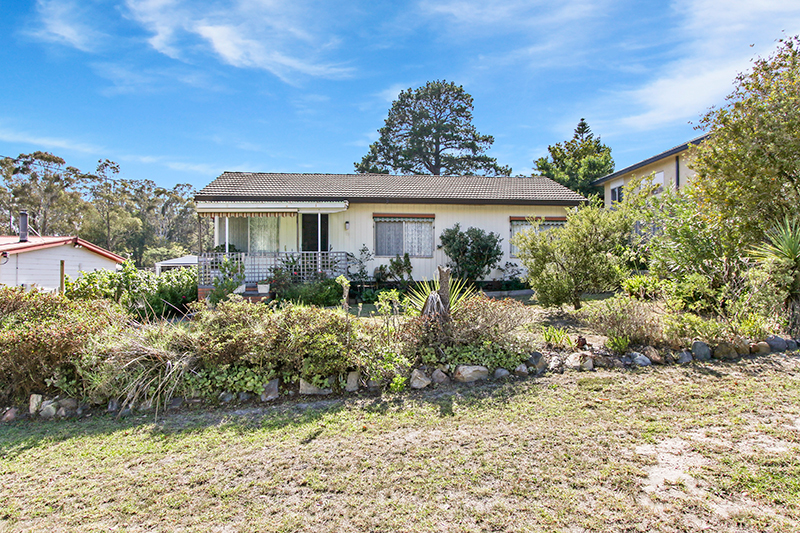 15 Worcester Road, Lakes Entrance VIC 3909-1
