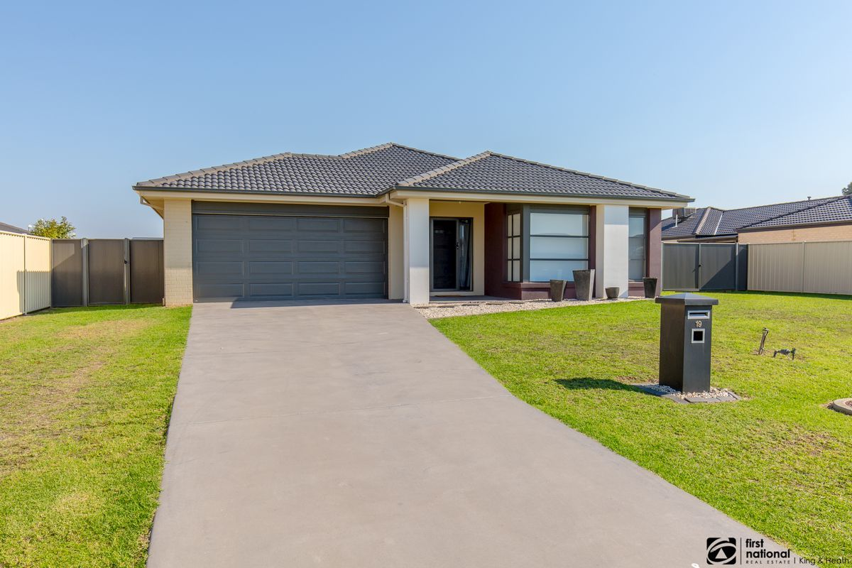 19 Riviera Close, Paynesville VIC 3880-1