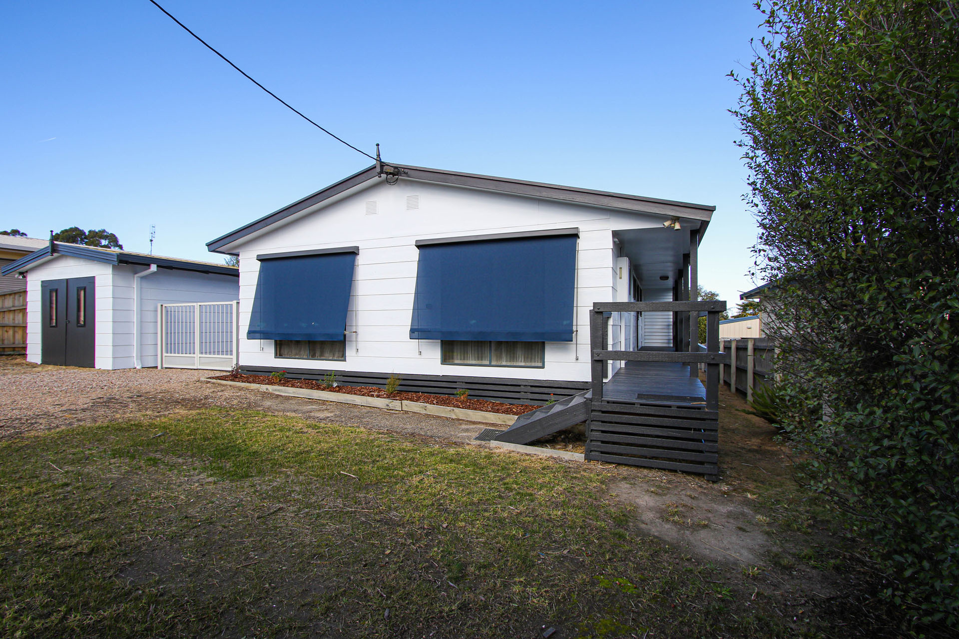 202 Thorpes Lane, Lakes Entrance VIC 3909-1