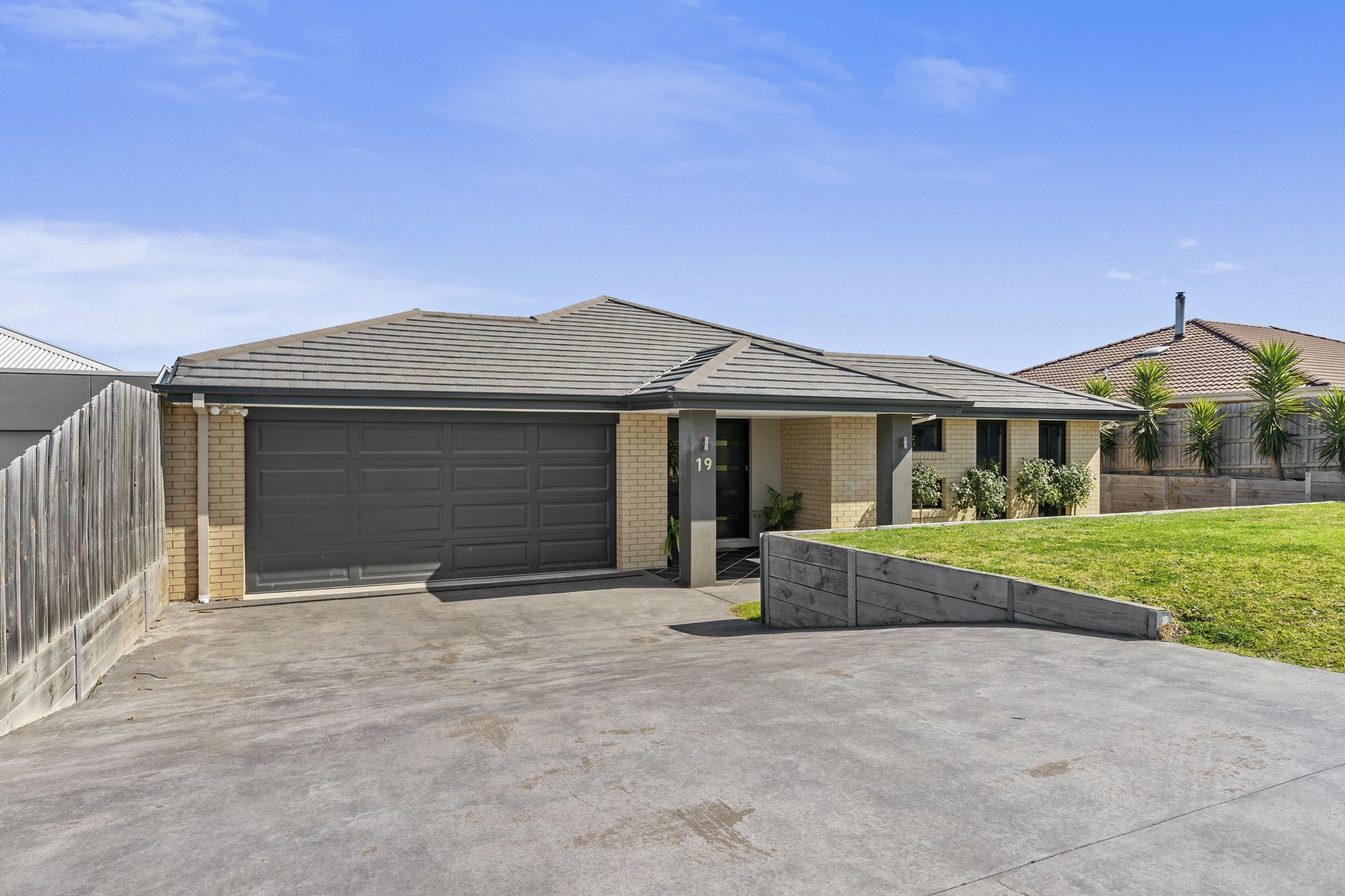 19 Westbury Way, Lakes Entrance VIC 3909-1