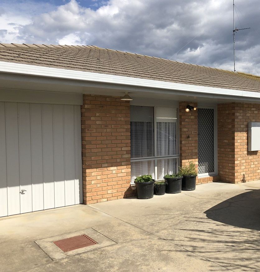 2/101A Moroney Street, Bairnsdale VIC 3875-1
