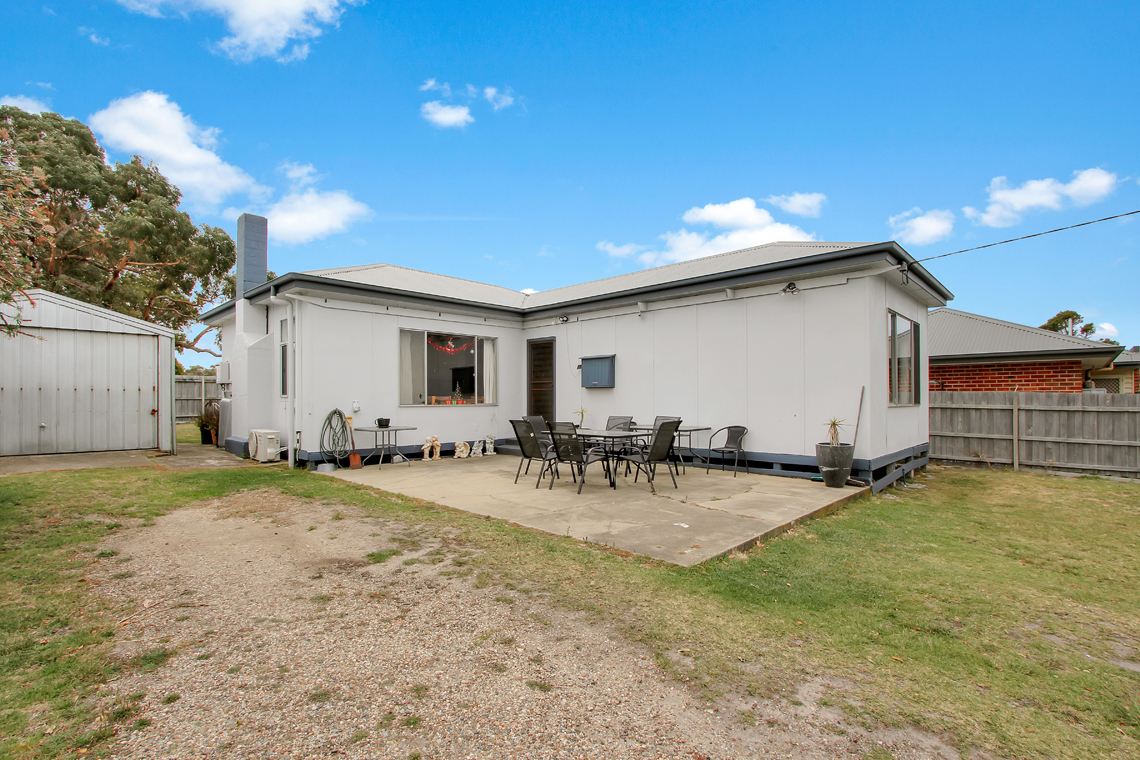 21 Jefferson Avenue, Lakes Entrance VIC 3909-1