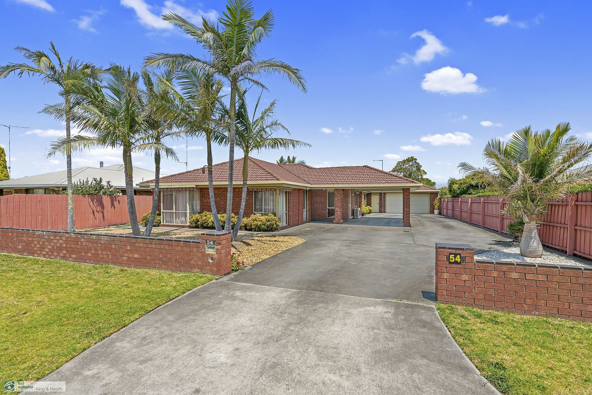 54 Coates Road, Lakes Entrance VIC 3909-1