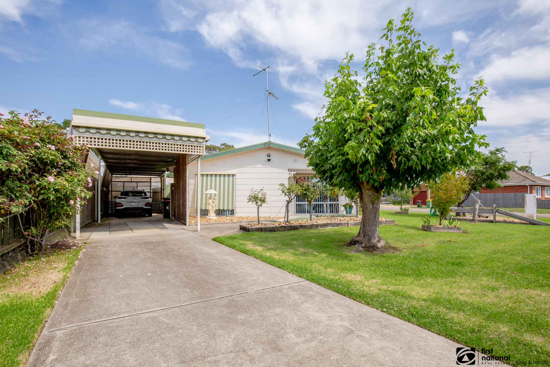 22 Bay Road, Eagle Point VIC 3878-1