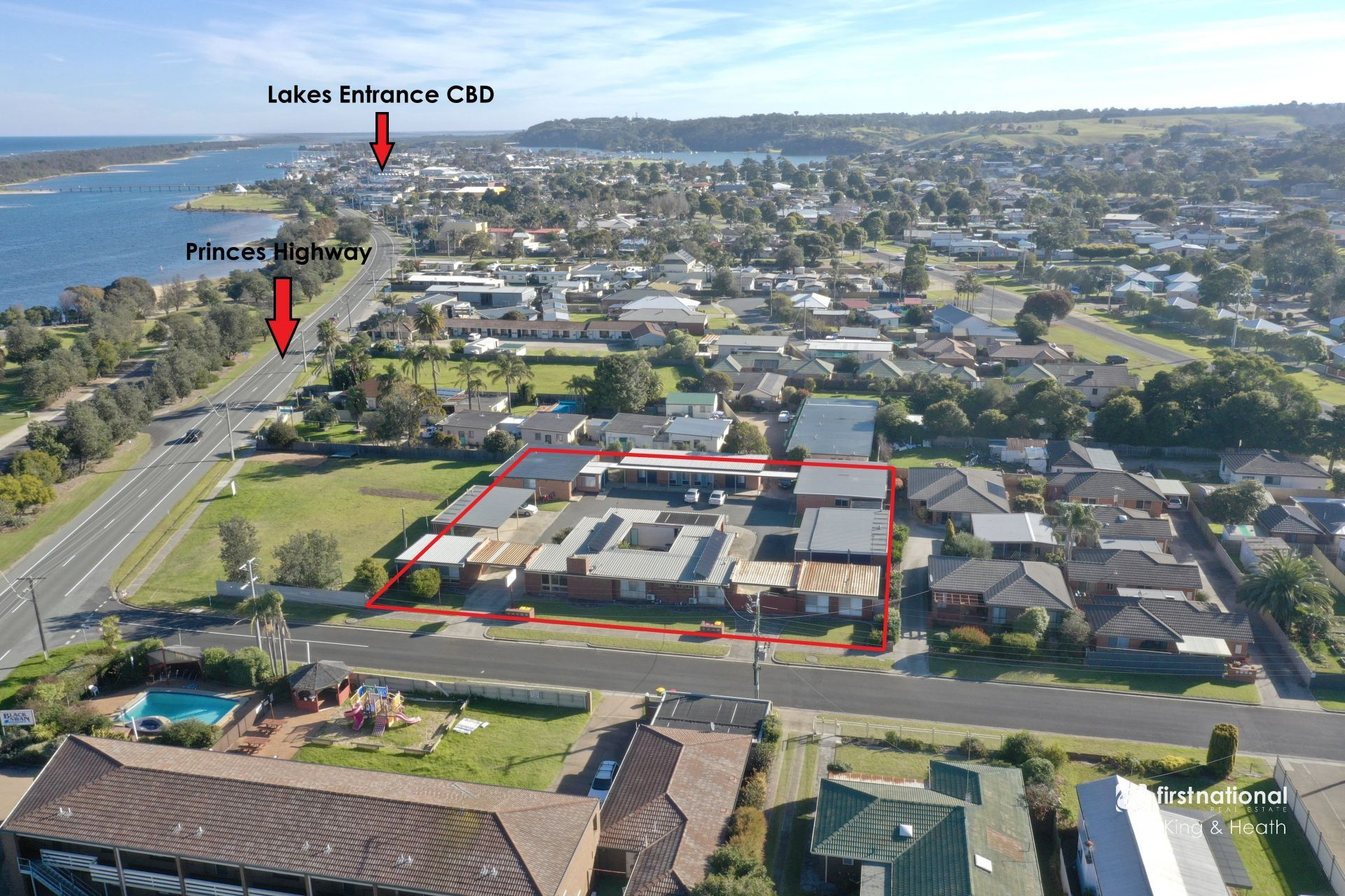 5 Clarkes Road, Lakes Entrance VIC 3909-1