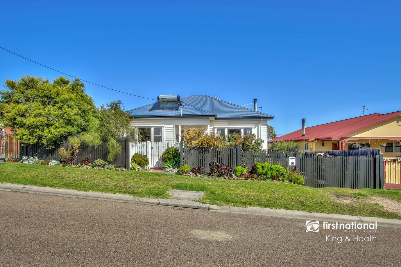 17 Mist Street, Lakes Entrance VIC 3909-1