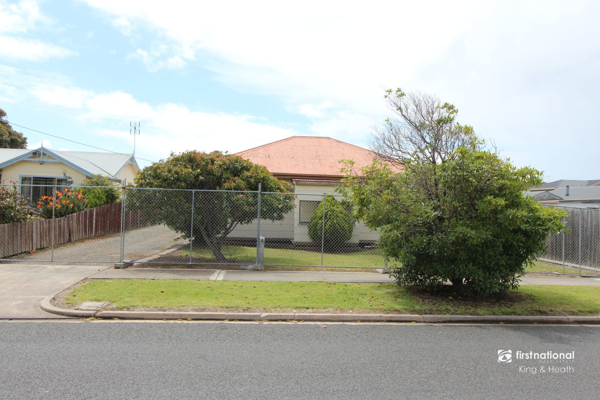 8 Laura Street, Lakes Entrance VIC 3909-1