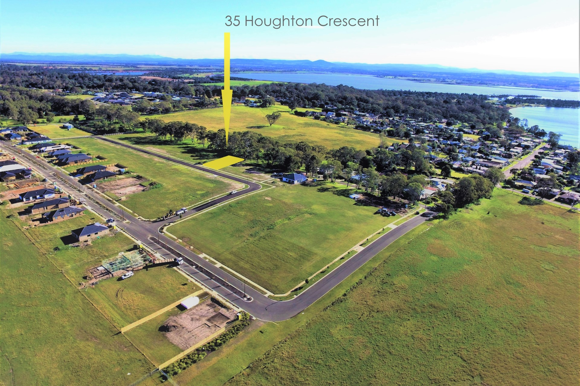 35 Houghton Crescent, Eagle Point VIC 3878-1