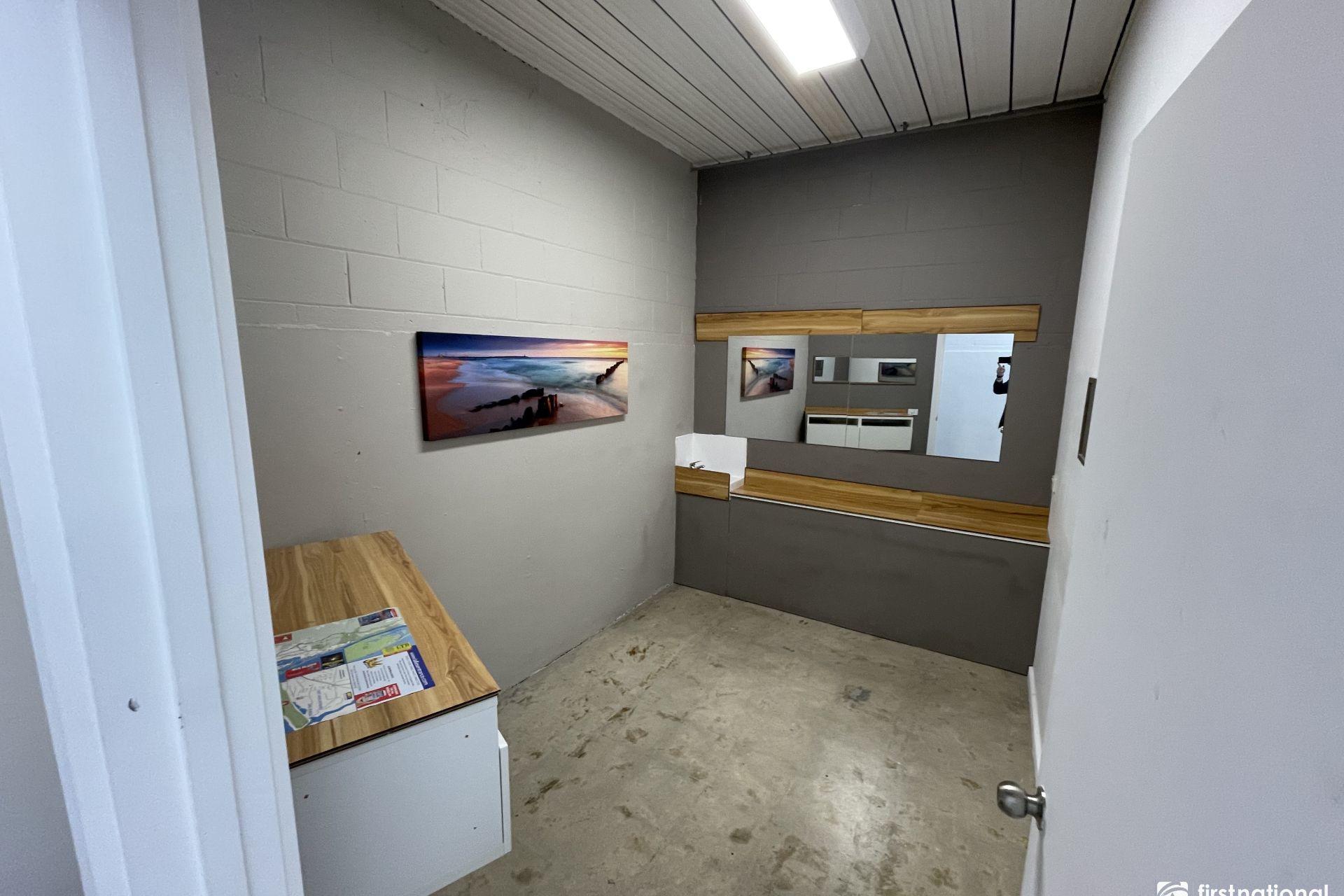 Room 4/21 Myer Street, Lakes Entrance VIC 3909-1